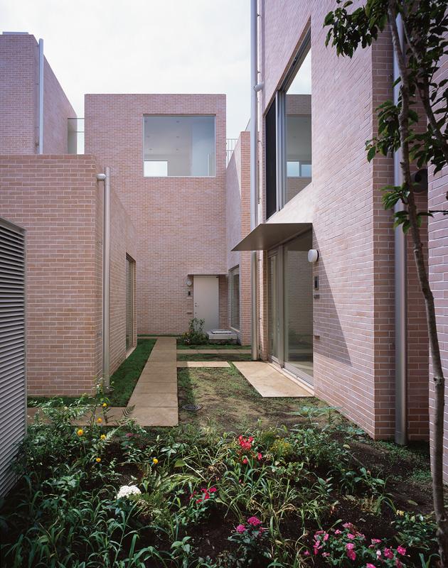 Aluminum gutters of Garden Court Seijo